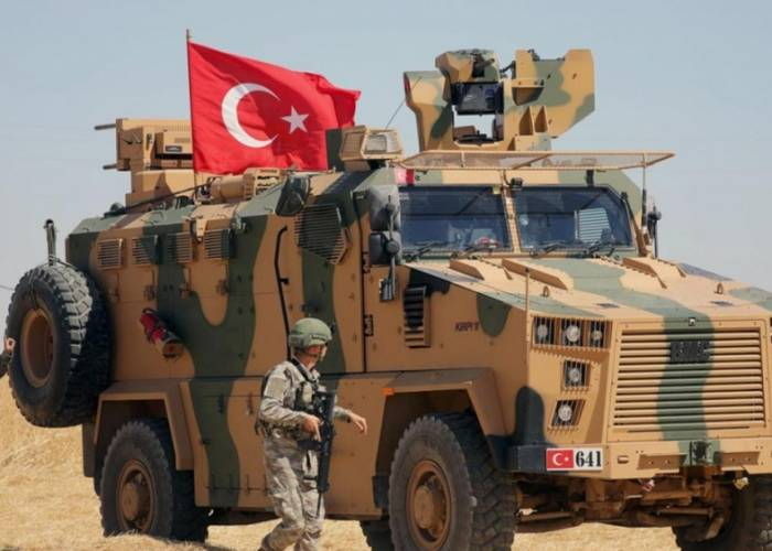 مقتل إمرأة مسلحة هاجمت قاعدة للجيش التركي في المسطومة