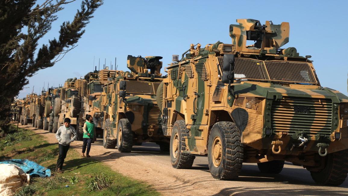 أكثر من 50 آلية تركية تدخل إدلب تزامناً مع قصف للنظام السوري