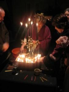 Neopaganer ärar sina döda på Samhain. Bild lånad från Wikipedia.