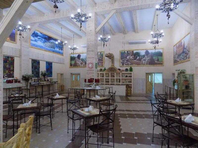 """Отельный комплекс """"Райский сад"""" на Арабатской стрелке - место, где круглый год царствует лето"""