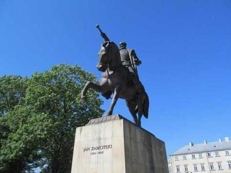 05. Памятник Яну Замойскому