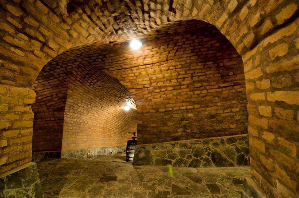 Подземная война или одна из версий возникновения генических катакомб
