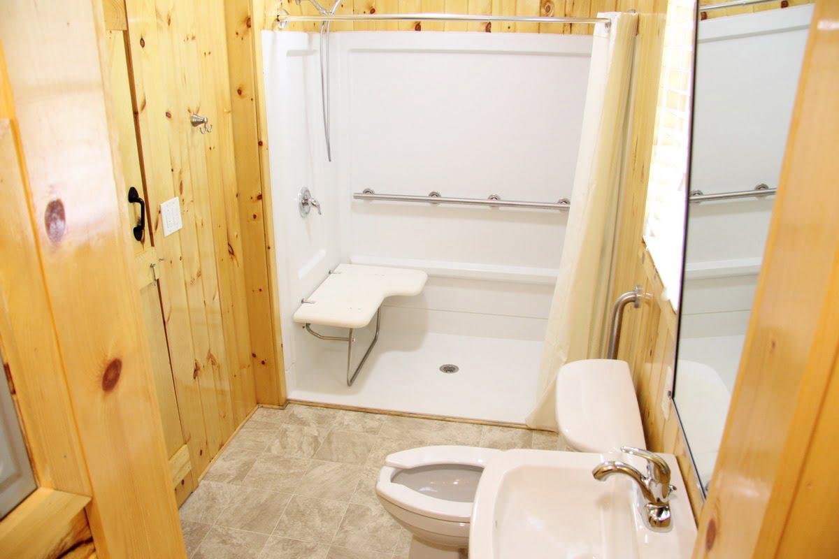 Cabin with Bathroom Handicap Accessible  Sea Pirate