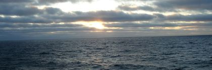 Sky_In_Pacific_Ocean_-_panoramio