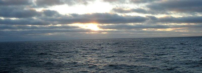 Sky_In_Pacific_Ocean_-_panoramio