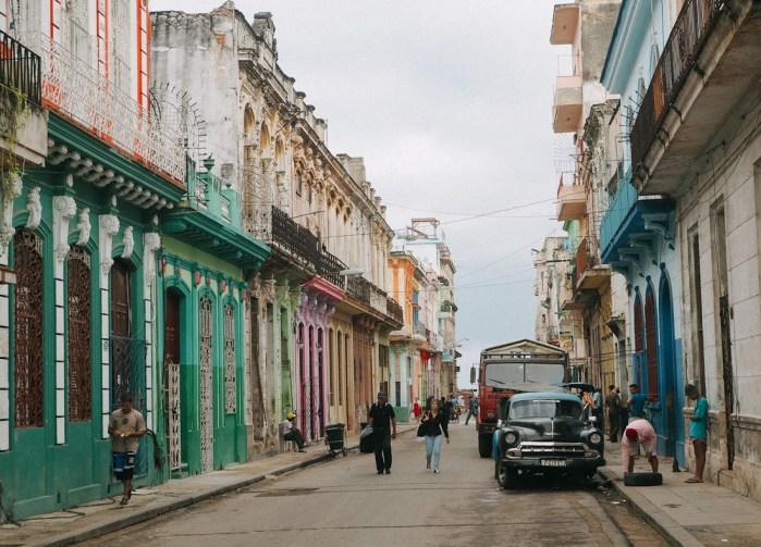façades colorées la havane
