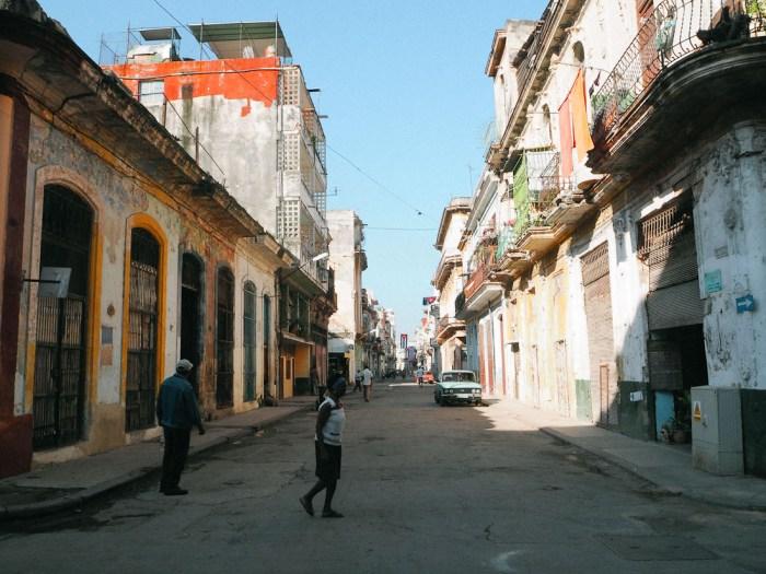 rue colorée centro habana cuba