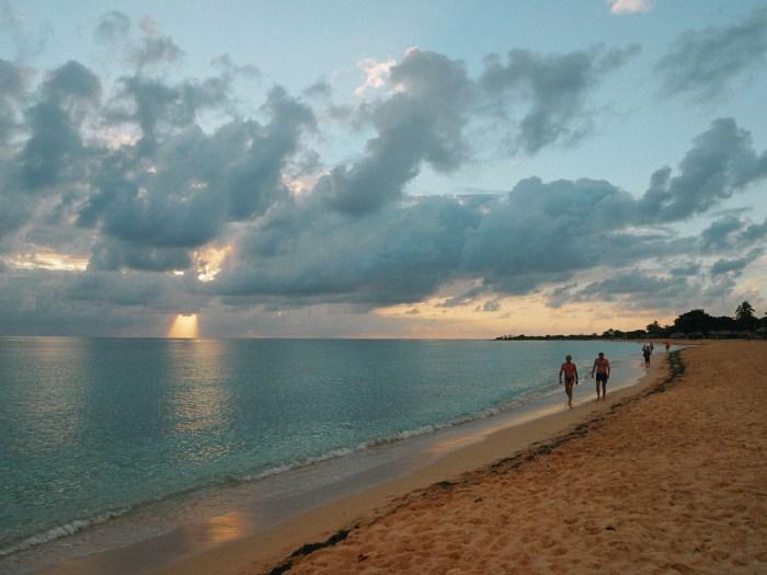 sunset plage cuba