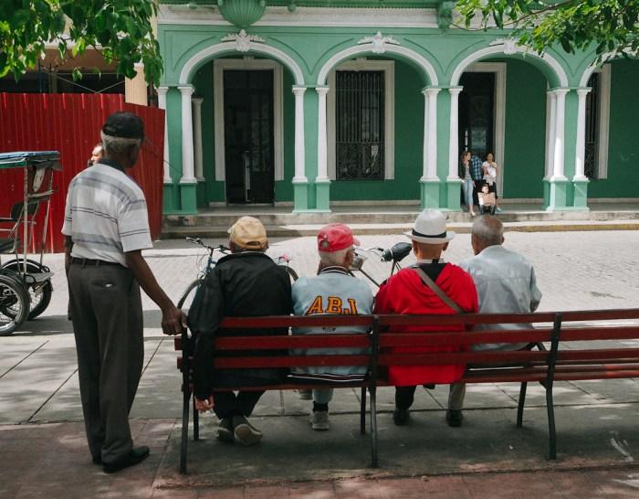 papys sur un banc à santa clara