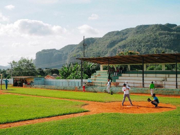 partie de baseball à cuba