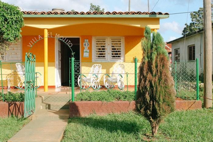 maison colorée à vinales