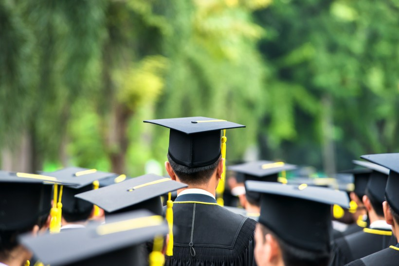 4 Thoughtful And Inexpensive Graduation Gift Ideas