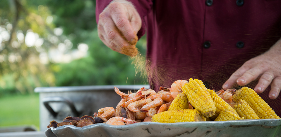 lowcountry-boil-sea-eagle-catering