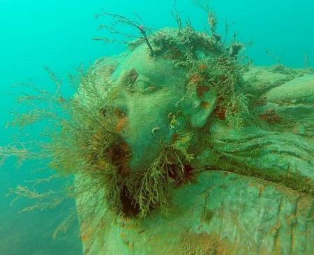 Underwater sculpture - Italy - Marta Clinco