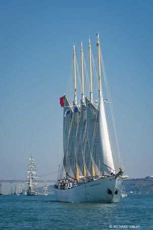 Polish brig Fryderyk Chopin and Portuguese schooner Santa Maria Manuela
