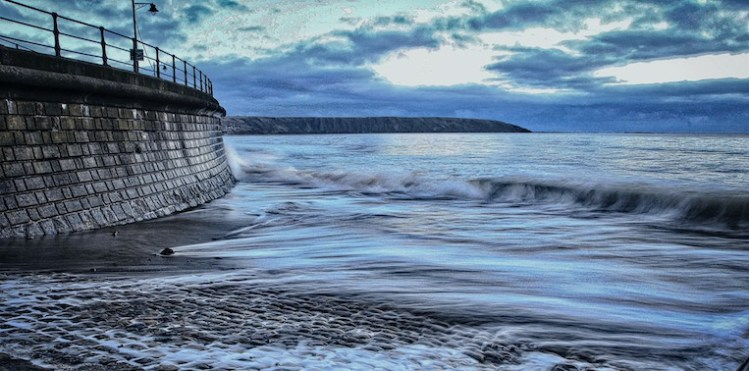 Filey Bay, Turning Tide - Large Landscape