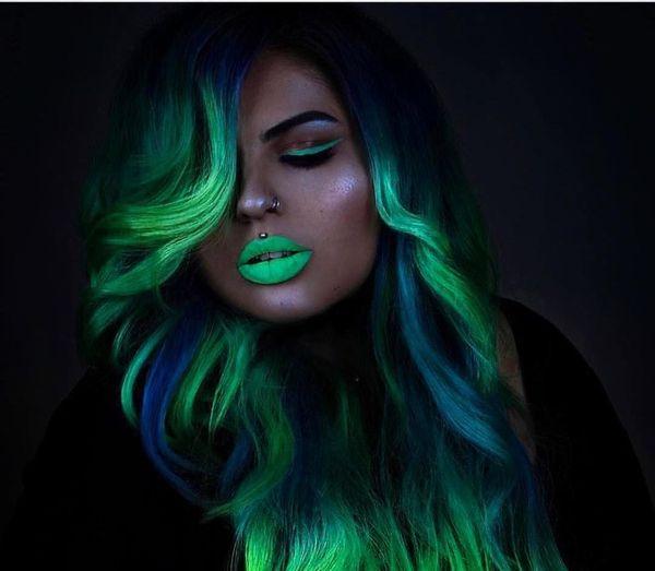 Neonfärgning