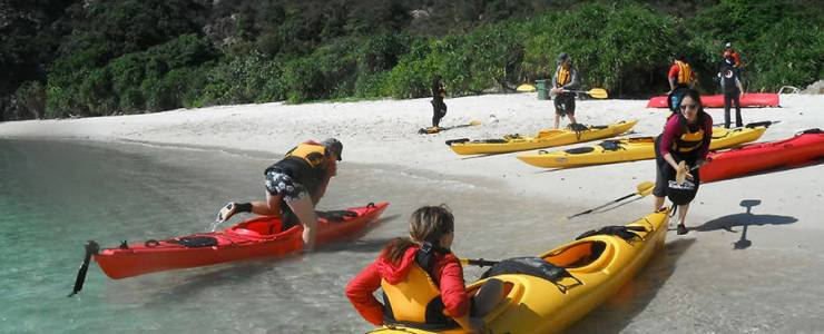 sea-kayak-remote-beaches