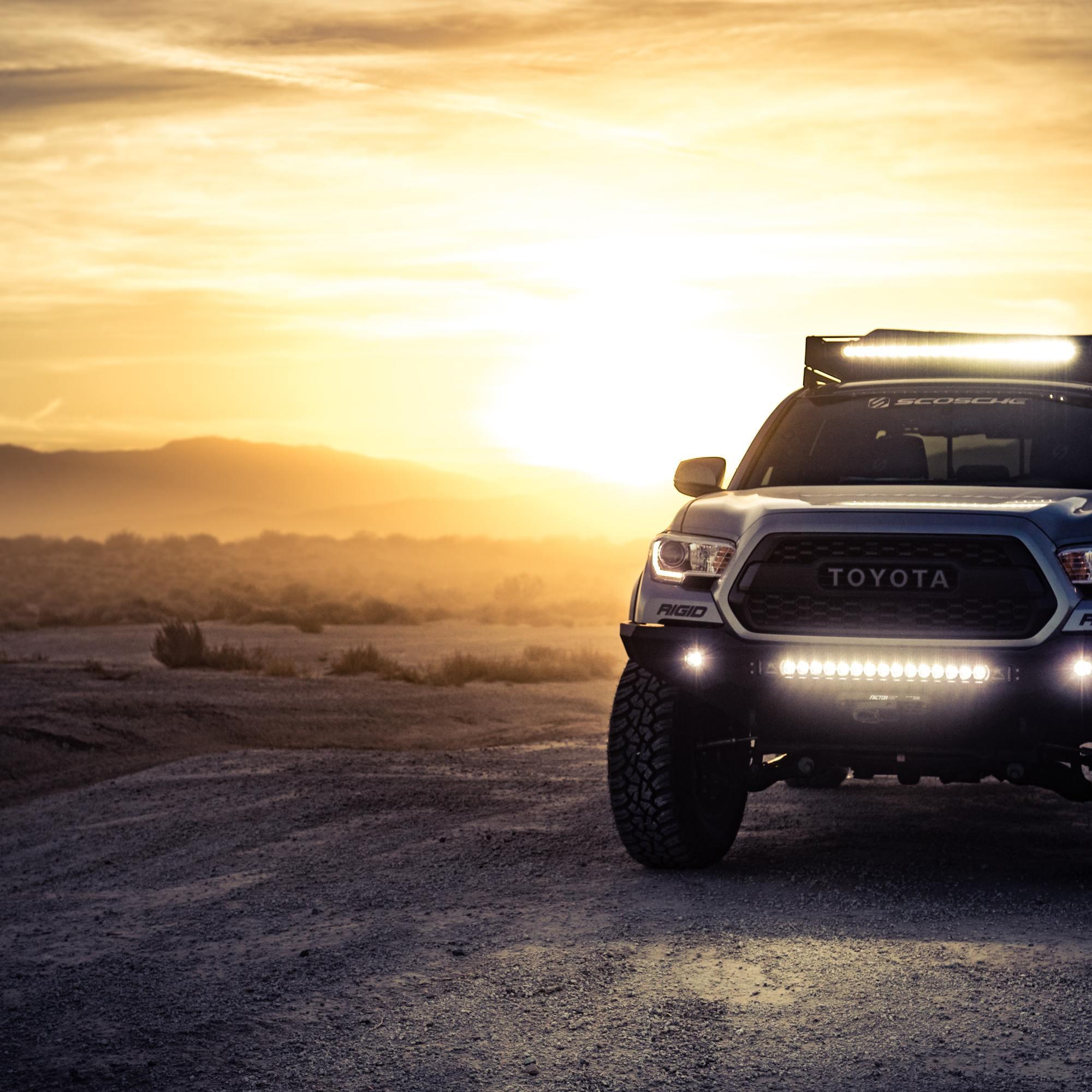 image of Toyota 4Runner in the desert landscape at dusk