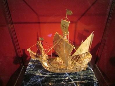 A gold Santa maria