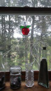 window_apple
