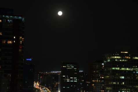 Super moon in Santiago the night after the total eclipse