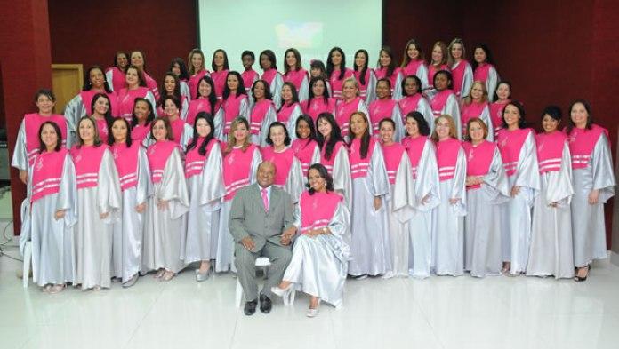 Assembleia de Deus Praia da Costa comemora 6 anos e lança pedra fundamental do novo templo