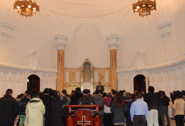 Igreja Universal do Reino de Deus compra Igreja Católica em Montreal