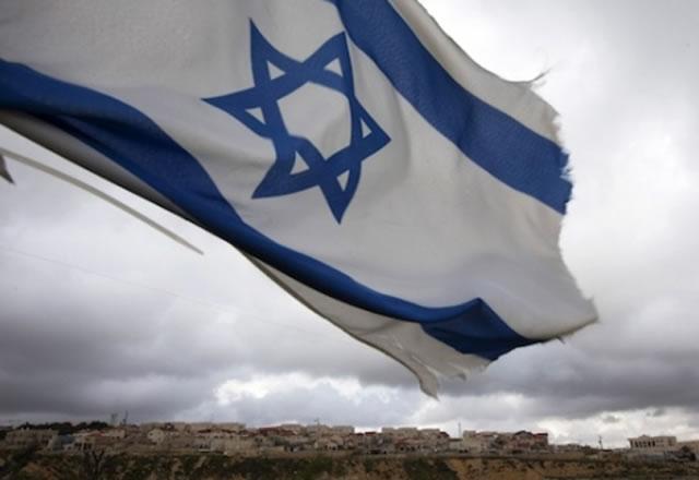 Holocausto é um mito e uma 'história exagerada', diz pesquisa sobre atitudes anti-semitas