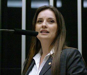 Em nota, deputada Lauriete Rodrigues confirma saída da disputa eleitoral