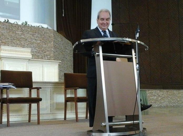 Pastor Oliveira de Araújo, da PIBV, pregou com o entusiasmo de sempre!