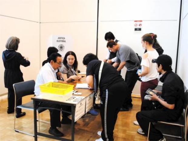 Aécio vence em Gunma, no Japão com mais de 90% dos votos válidos