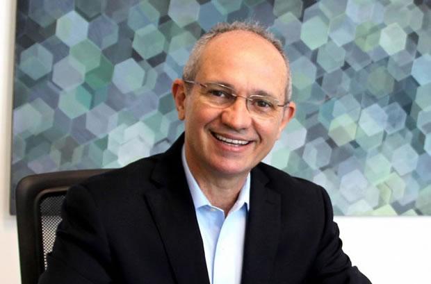 Paulo Hartung, do PMDB, é eleito governador do Espírito Santo