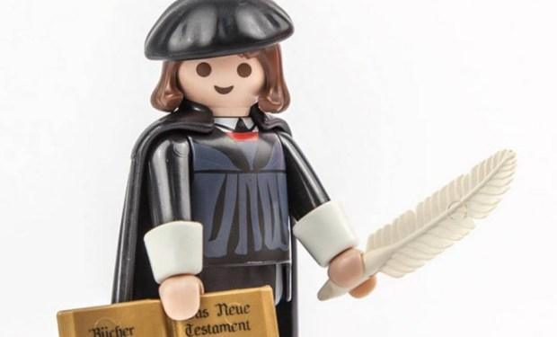 Boneco do teólogo Martinho Lutero é o brinquedo mais vendido