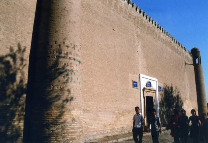 ヒヴァ、イチャン・カラを歩く 【世界遺産】【ウズベキスタン(ヒヴァ)】