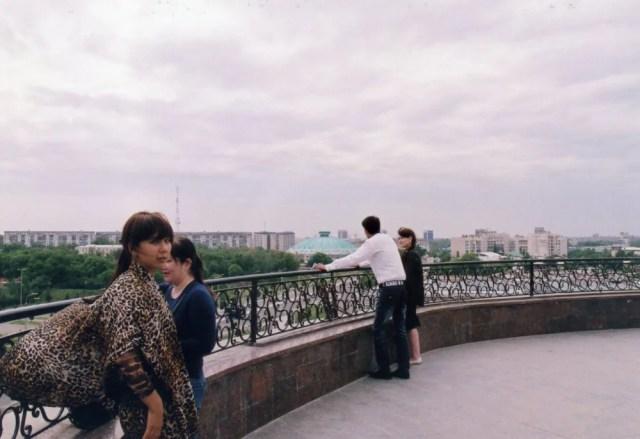 塔の上からタシケントの街を眺める