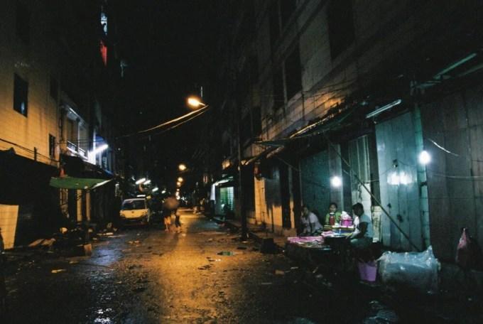 ヤンゴン、夜のダウンタウン界隈【ミャンマー(ヤンゴン)】