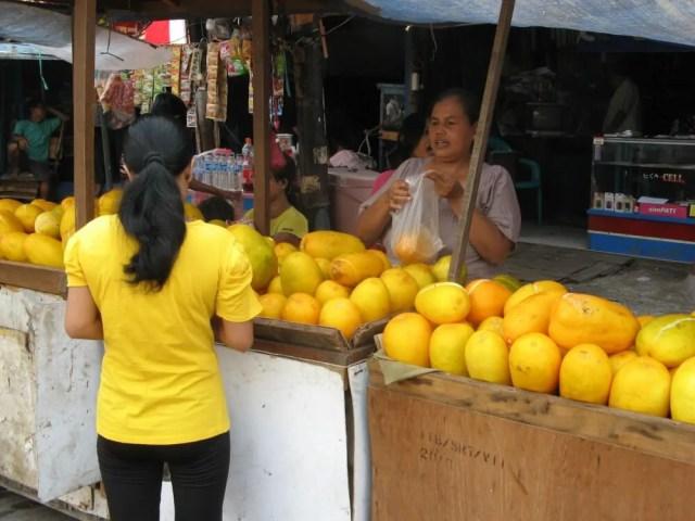 パサール・イカン(魚市場)