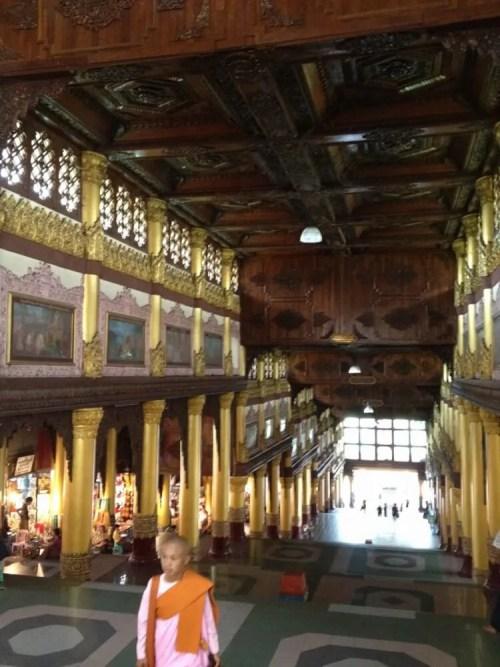 ミャンマー最大の聖地「シュエダゴォン・パヤー」参道 【ヤンゴン】