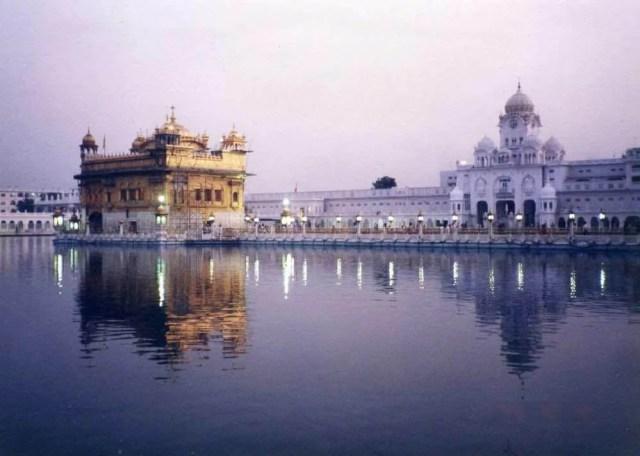 インド アムリトサル 黄金寺院