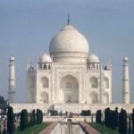 白亜の殿堂、真っ白に輝く真珠、ヤムナー川のほとりに佇む夢「タージ・マハル」!【インド】
