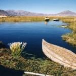 「ウロス島」チチカカ湖に浮かぶ葦でできた島と「バルサ」葦の船(チチカカ湖の島めぐり1)【ペルー】