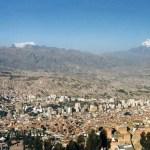 世界最高所、標高3650mの首都「ラパス」で見たカーニバル【ボリビア】