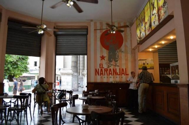 オビスポ通りのカフェ、ハバナ旧市街 【キューバ Cuba】