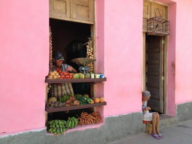 八百屋、トリニダーの風景 【キューバ Cuba】
