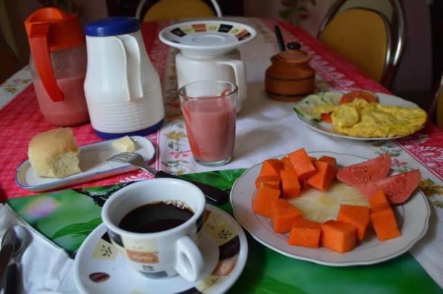 ハバナのカサ(民宿)の朝食 【キューバ Cuba】