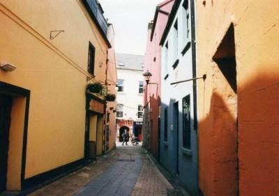ゲール文化の中心地、ゴールウェイの町【アイルランド】