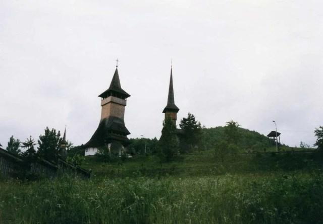 バルサナ村の木造教会 【ルーマニア】