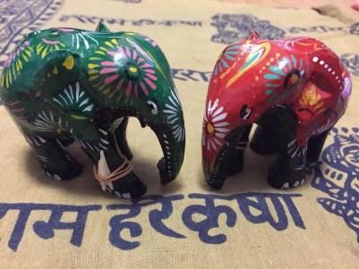 スリランカの木彫りの象【雑貨】