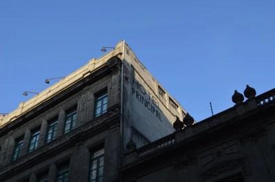 朝のボリバル通り(メキシコシティ②)【メキシコ】
